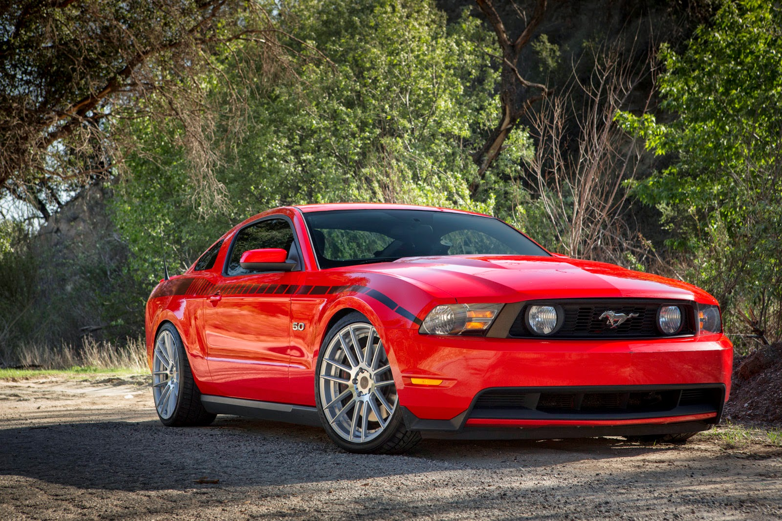 2012 mustang gt 5 0 with 20inch staggered silver bd 4 blog. Black Bedroom Furniture Sets. Home Design Ideas