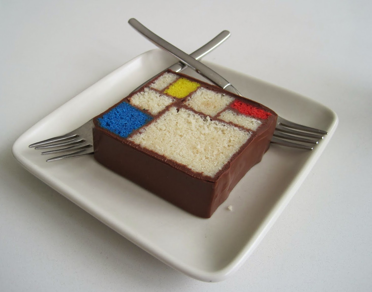As a lover of modern art, Mondrian inspired creative projects, and unusual  cookbooks, I was instantly enamored with Modern Art Desserts: Recipes for  Cakes, ...