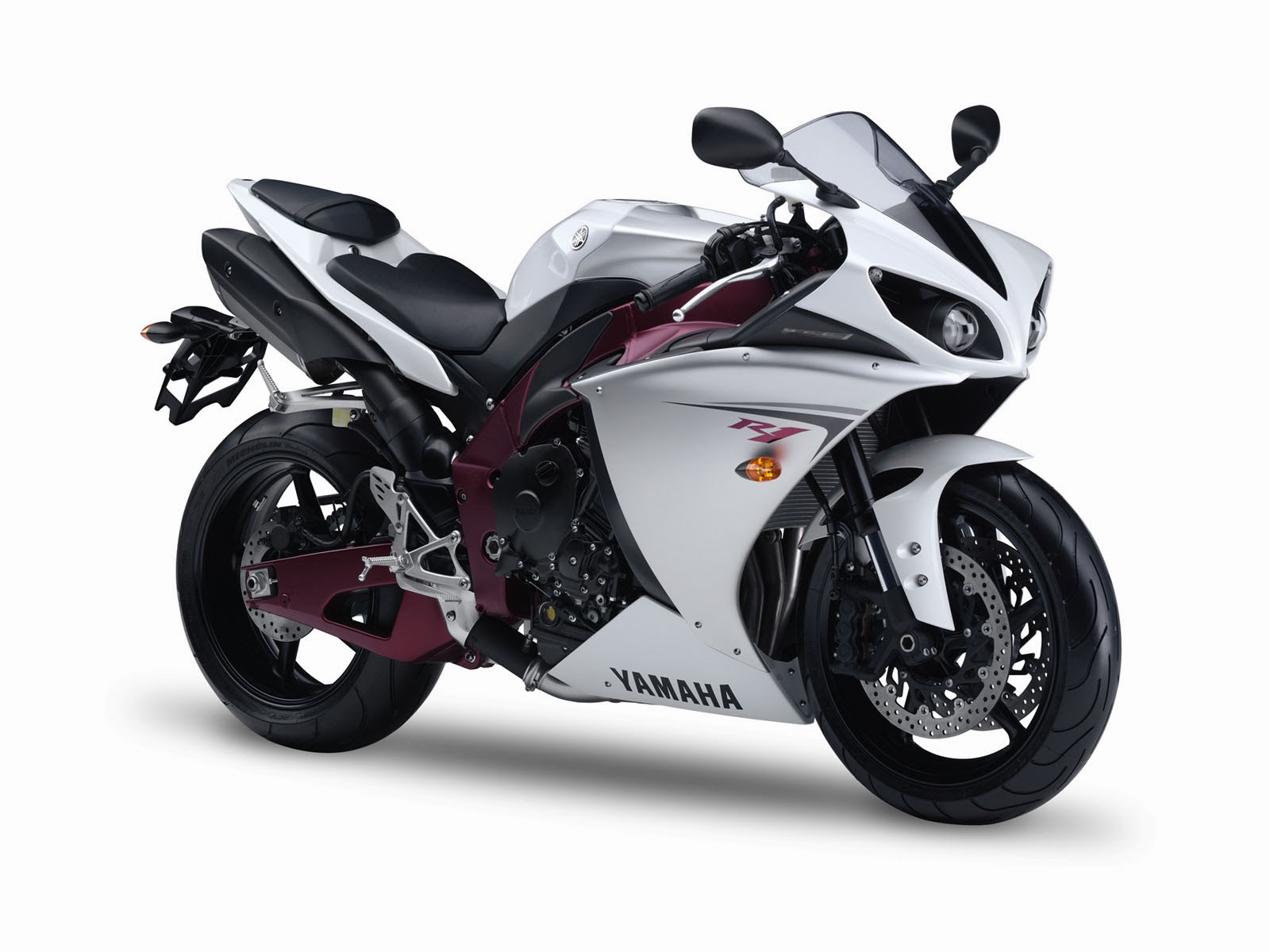 wallpapers: Yamaha YZF-R1 Wallpapers