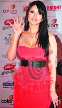 Sunny Leone in pink dress