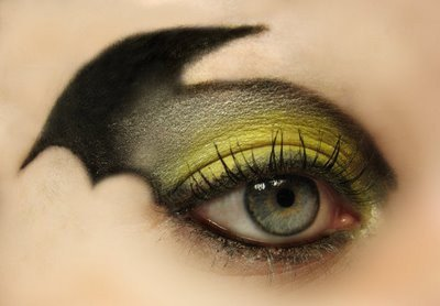 Green Bat Eye Makeup