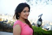 Prabhajeet Kaur Glamorous Photo shoot-thumbnail-20
