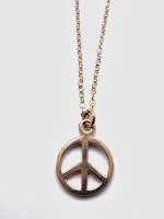 http://www.kirstytaylorjewellery.com/152-silver-peace-sign-amulet-pendant.html