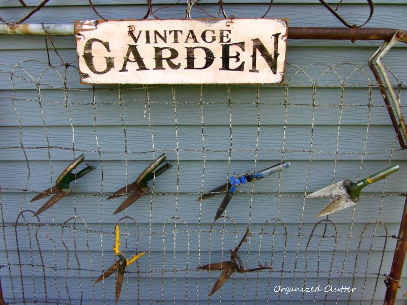 Vintage Grass Clipper Clipart www.organizedclutterqueen.blogspot.com