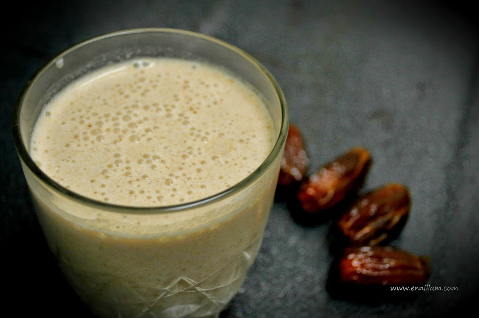 Oats dates milkshake