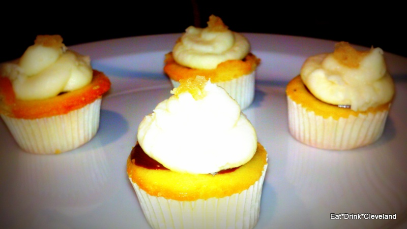 Eat*Drink*Cleveland: Corks & Cupcakes