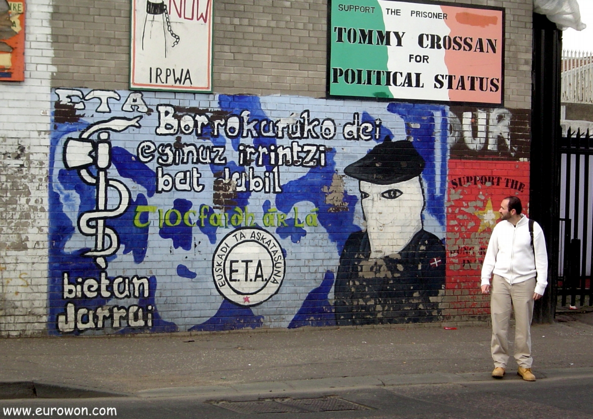 Mural dedicado a ETA en Belfast