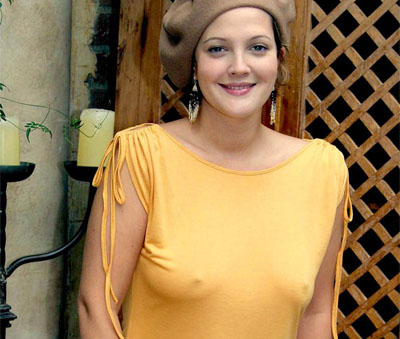 Drew barrymore flashed her boobs