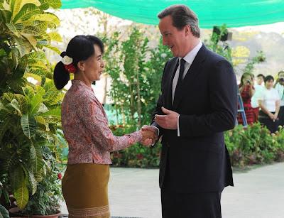 ဒဏ္ခတ္ပိတ္ဆုိ႔မႈမ်ား ဆုိင္းင့ံသင့္ေၾကာင္း ၿဗိတိန္နုိင္ငံ ၀န္ႀကီးခ်ဳပ္ ေျပာဆုိ – Cameron calls for Burma sanctions to be eased