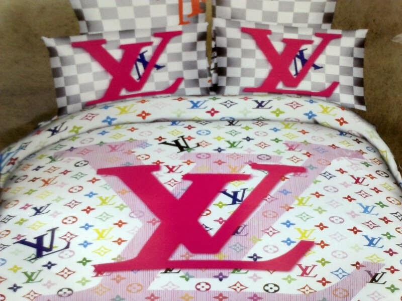 Sprei Jepang Motif LV Pink