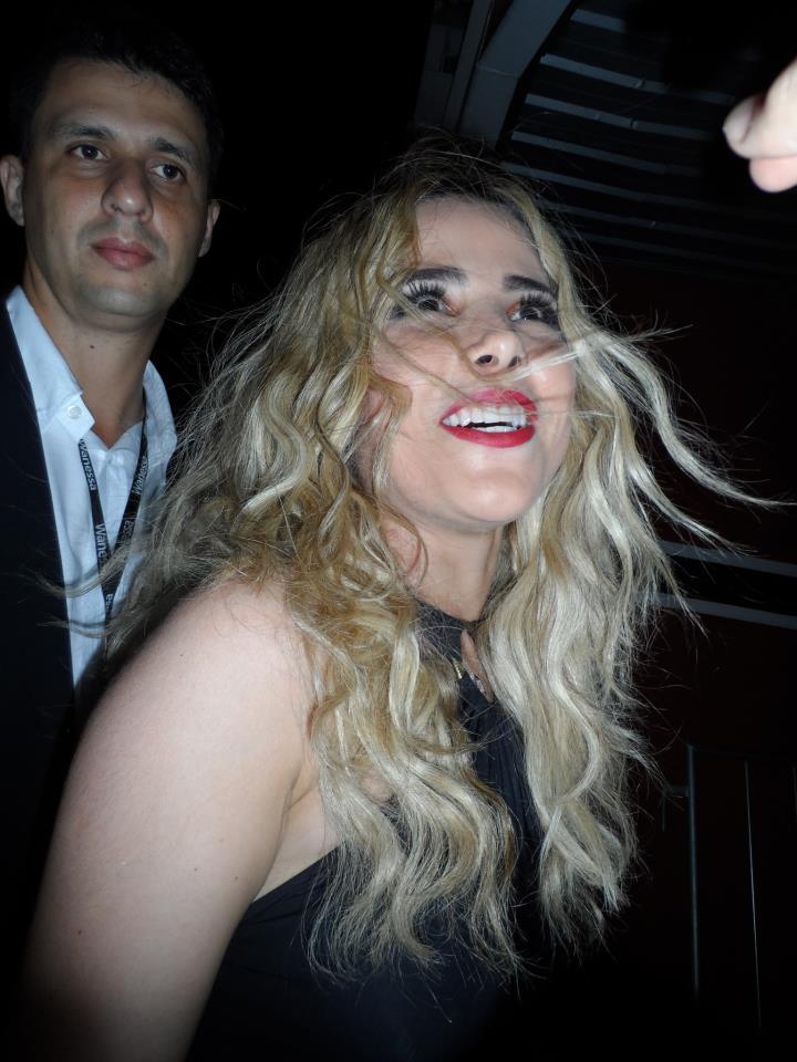 Wanessa encerrou o ano com chave de ouro e um grande gesto nobre! A cantora  fez seu último show de 2012 dia 22 de Dezembro, em uma boate em Piracicaba. 23712d7264
