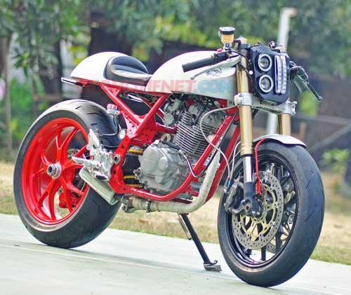 Foto Modifikasi Honda Tiger, Cafe Racer Kaki Moge