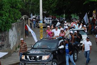 Perredeistas desbordan Calles de Santo Domingo Este