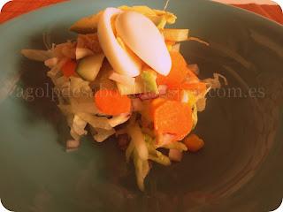 Ensalada de huevos de codorniz