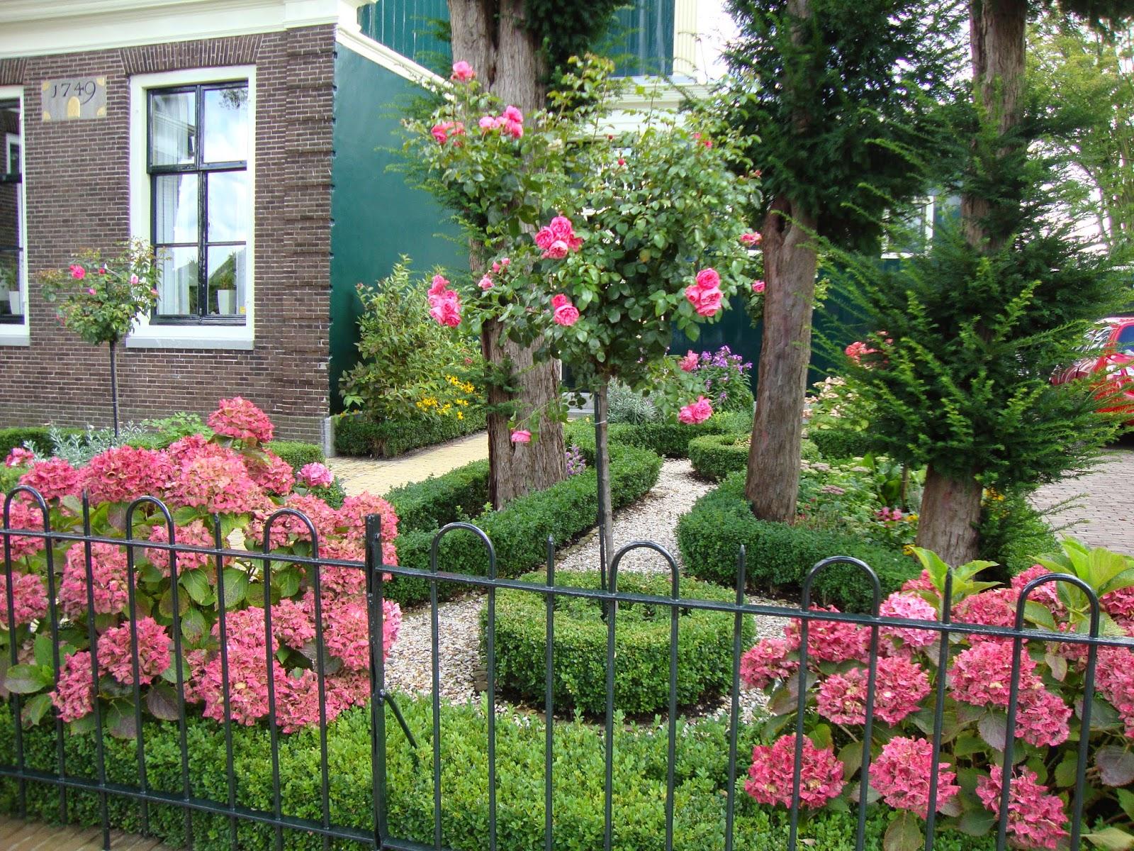Giardini fioriti idee ho17 regardsdefemmes for Idee giardino semplice