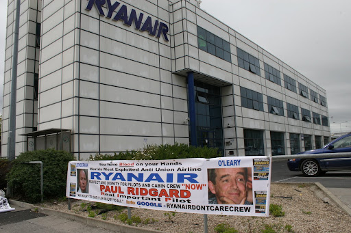 RYANAIR . BROOKFIELD CONTRACT ..LINING BONDERMAN and O'LEARY'S POCKETS.