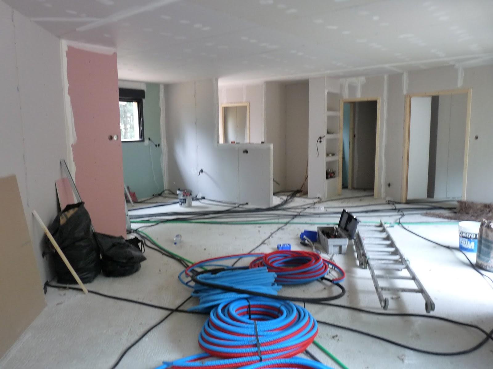 notre maison bois installation de la plomberie. Black Bedroom Furniture Sets. Home Design Ideas