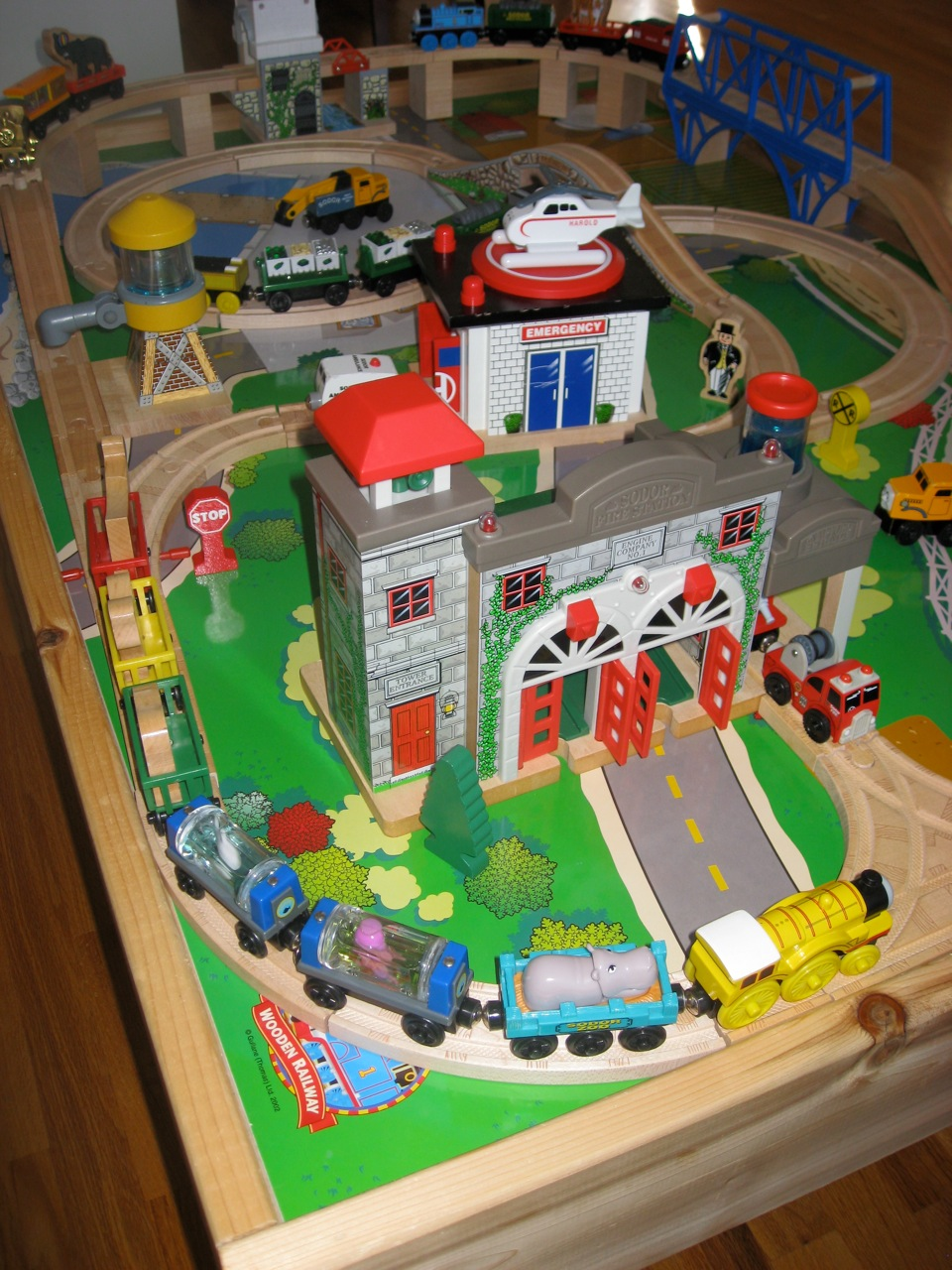 For Sale in Ottawa: Thomas the Train Table and set for Sale in Ottawa