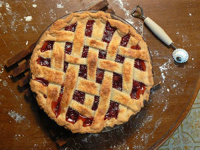Cherry Pie With Latticed Crust Photo at wikiHow