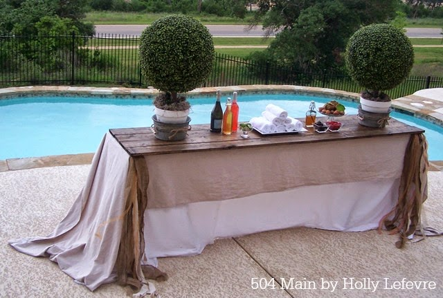 Poolside casual elegance isperfect for our party.