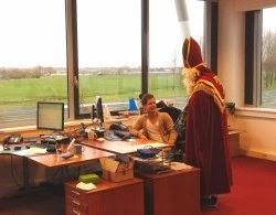 Sint laat zich informeren