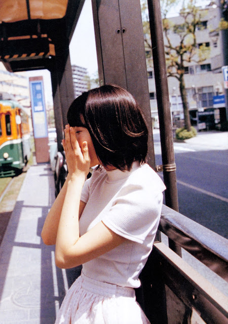 Sakura Miyawaki 宮脇咲良 Sakura さくら Photobook 写真集 03