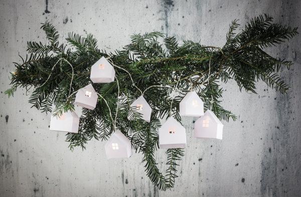 DIY Lichterkette mit selbstgebastelten Papierhäusern