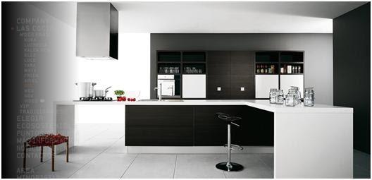 Decora y disena 10 fotos de cocinas modernas en varios for Cocinas integrales color negro