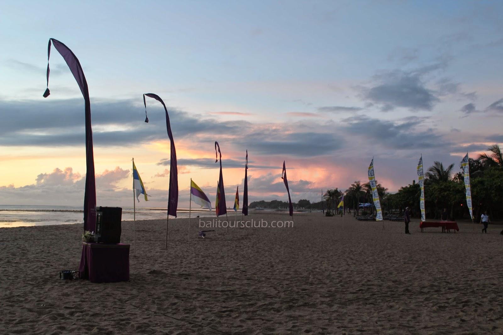 Susasana pagi di pantai Sanur