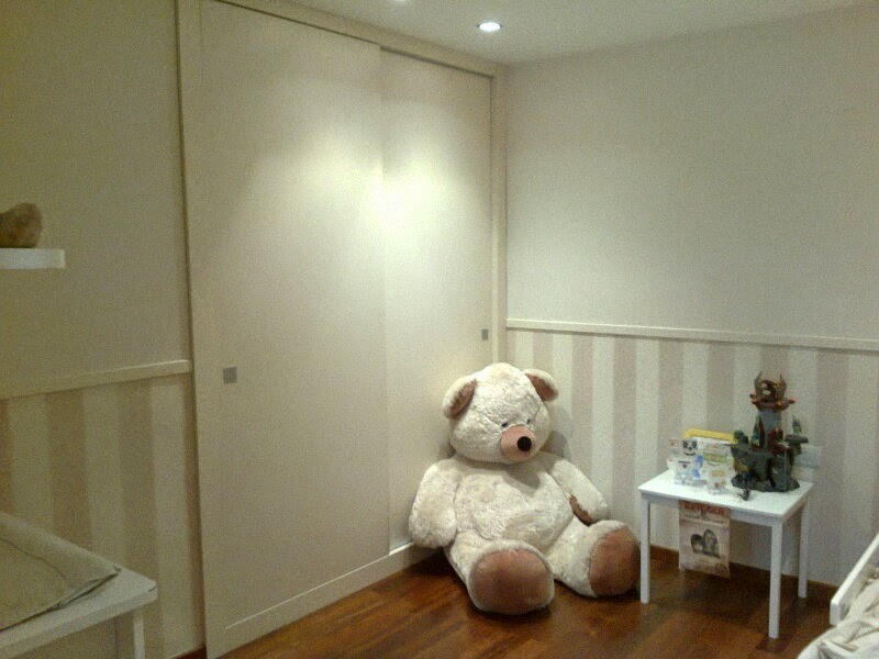 Ca uelo e hijos carpinteria s c p armario empotrado para habitaci n infantil - Armario habitacion infantil ...