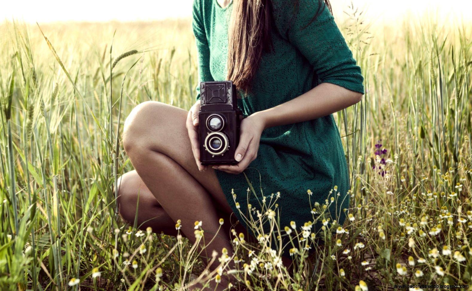 mood girl camera meadow hd wallpaper