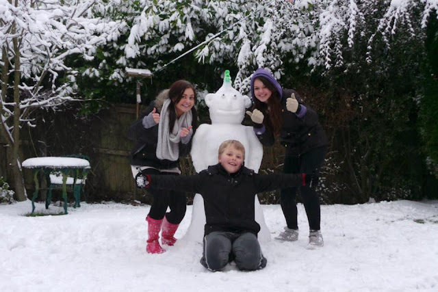 Family time - snowman building