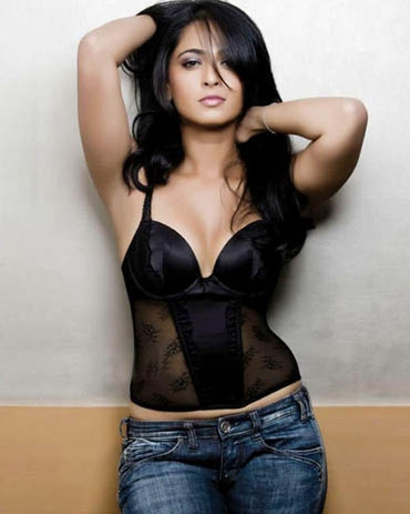 Hot Anushka Shetty Photoshoot
