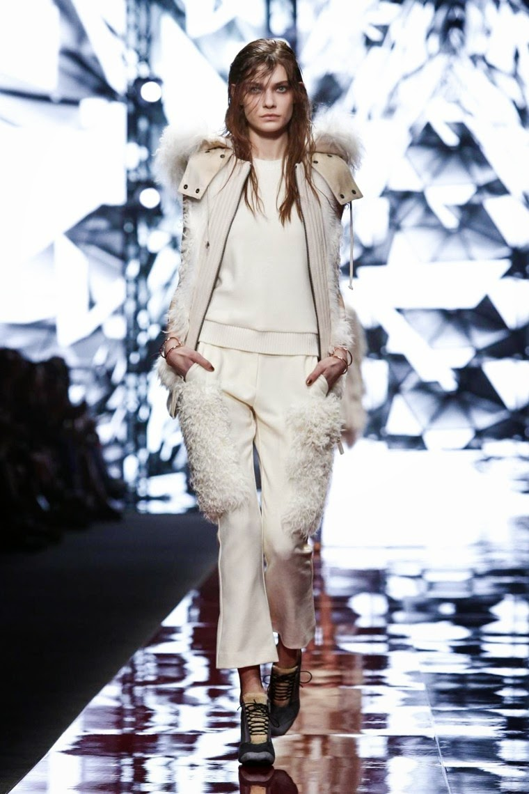 Just Cavalli, Just Cavalli AW15, Just Cavalli FW15, Just Cavalli Fall Winter 2015, Just Cavalli Autumn Winter 2015, Just Cavalli fall, Just Cavalli fall 2015, du dessin aux podiums, dudessinauxpodiums, Roberto Cavalli, vintage look, dress to impress, dress for less, boho, unique vintage, alloy clothing, venus clothing, la moda, spring trends, tendance, tendance de mode, blog de mode, fashion blog, blog mode, mode paris, paris mode, fashion news, designer, fashion designer, moda in pelle, ross dress for less, fashion magazines, fashion blogs, mode a toi, revista de moda, vintage, vintage definition, vintage retro, top fashion, suits online, blog de moda, blog moda, ropa, asos dresses, blogs de moda, dresses, tunique femme, vetements femmes, fashion tops, womens fashions, vetement tendance, fashion dresses, ladies clothes, robes de soiree, robe bustier, robe sexy, sexy dress