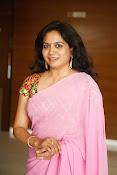 Singer Sunitha dazzling saree photos-thumbnail-4