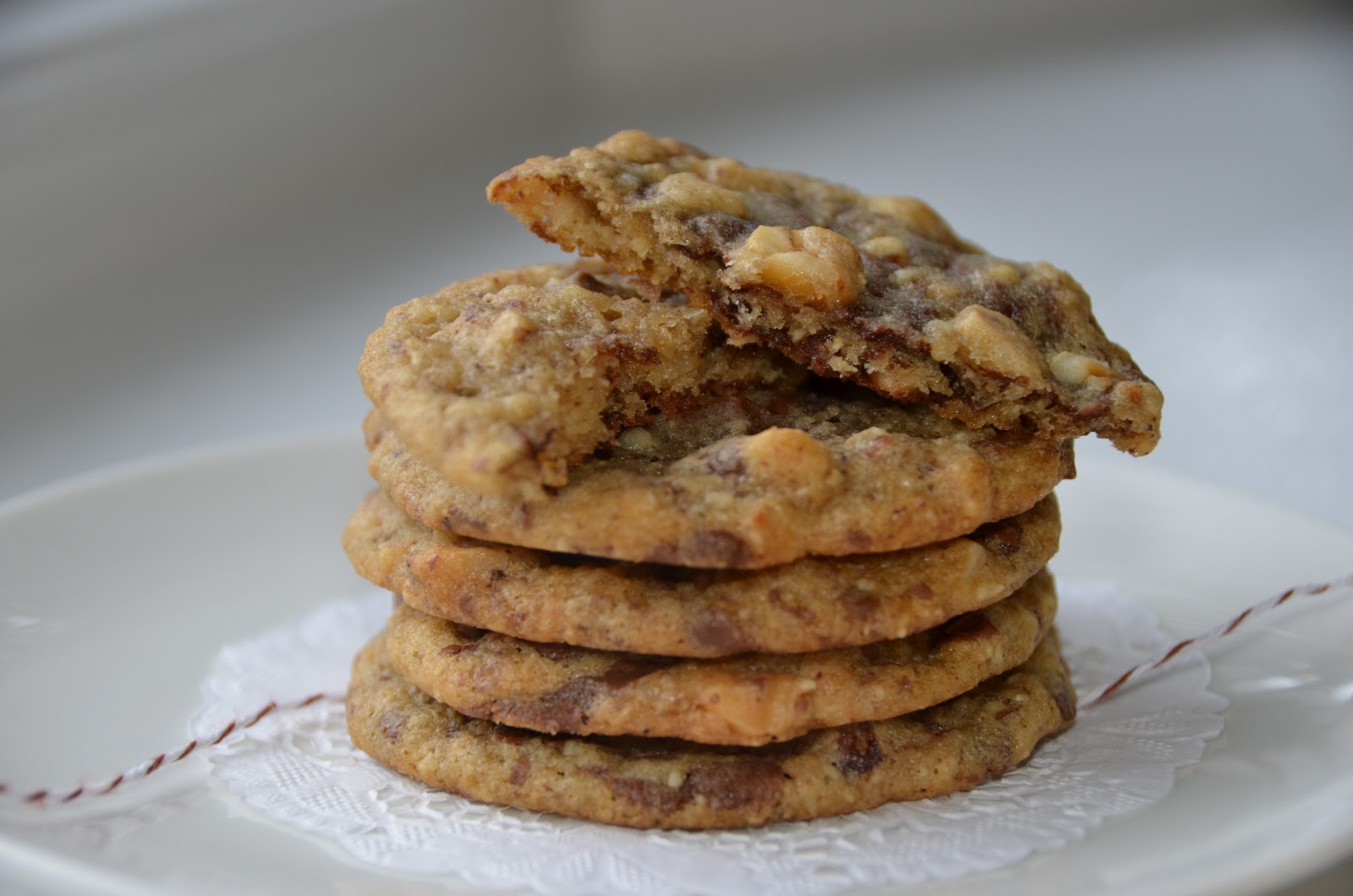 Playing with Flour: Milk chocolate hazelnut cookies