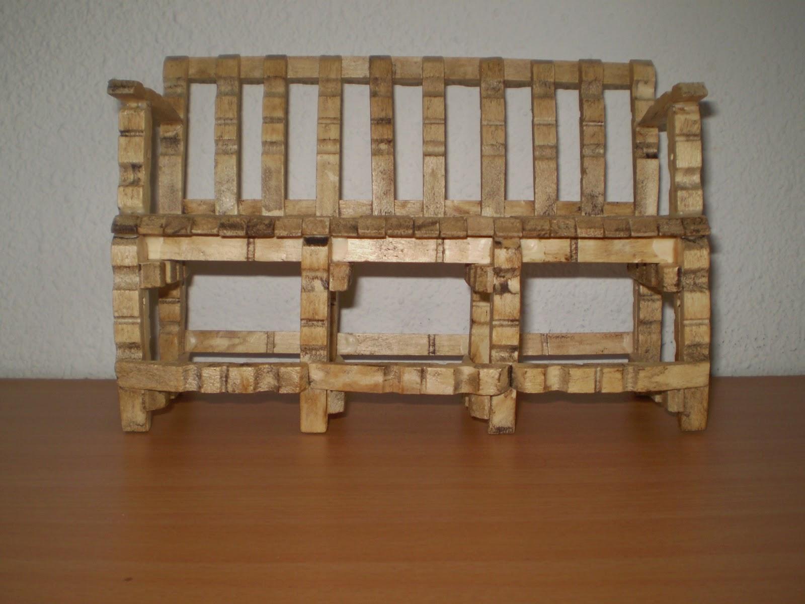 Manualidades y restauraciones manualidades con pinzas de - Manualidades con muebles ...