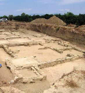 helike ruins 10 Misteri Besar Yang Tak Terpecahkan Lalu Dilupakan