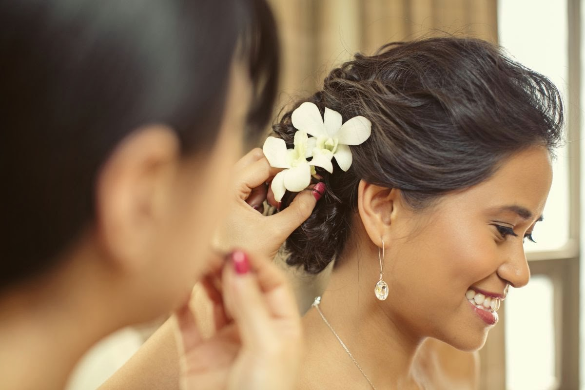 Wedding Updos for Large Foreheads