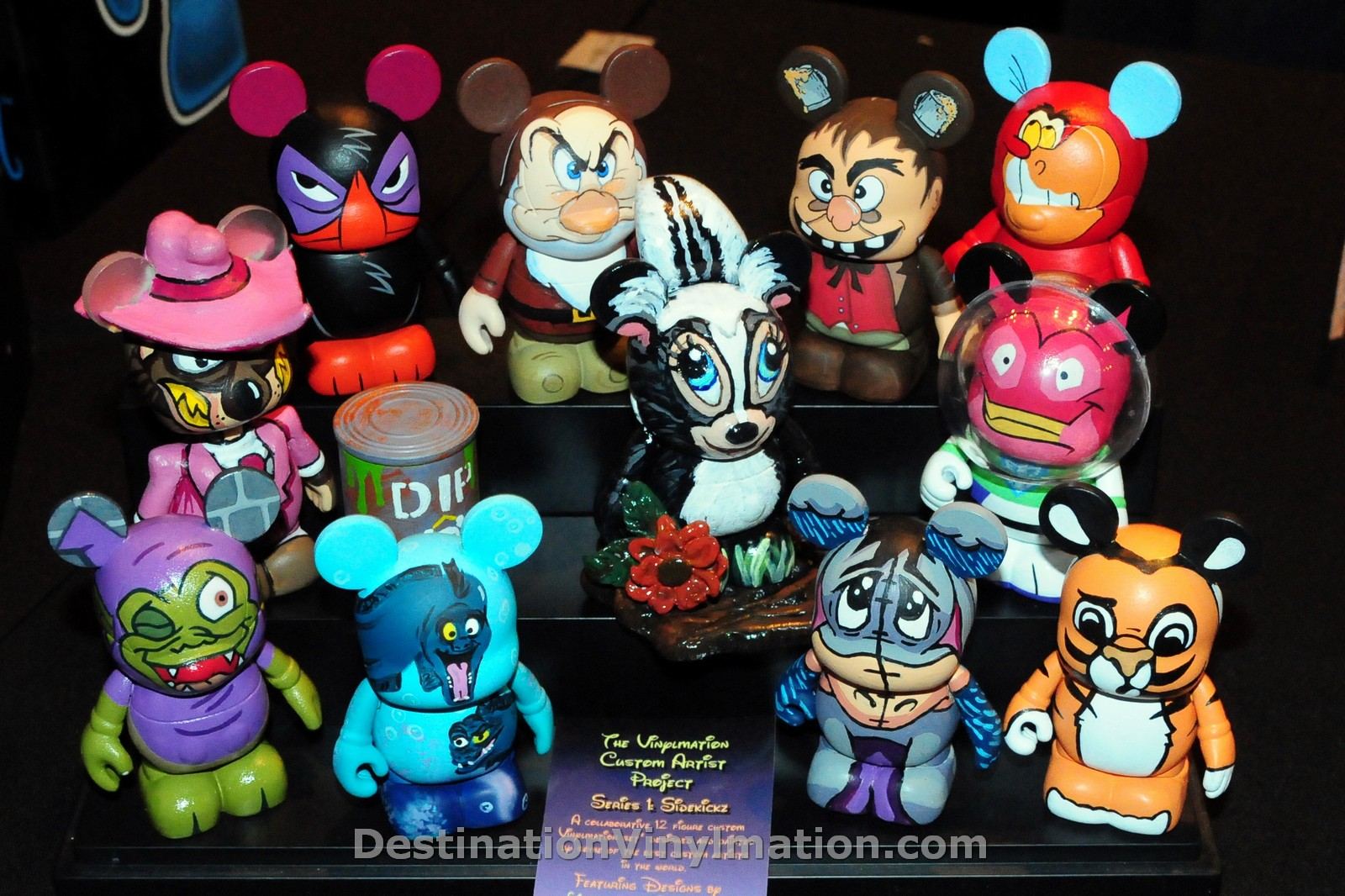 Destination Vinylmation Spotlight On The Custom Artist