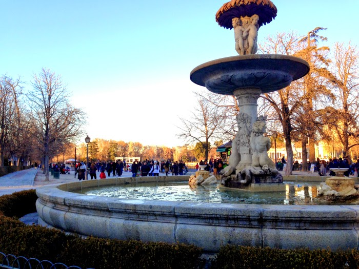 Letmecrossover_blog_michele_mattos_madrid_spain_espanha_parque_del_retiro_travel_trip_traveling_world_backpacking