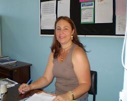 Professora Adriane - diretora da Escola