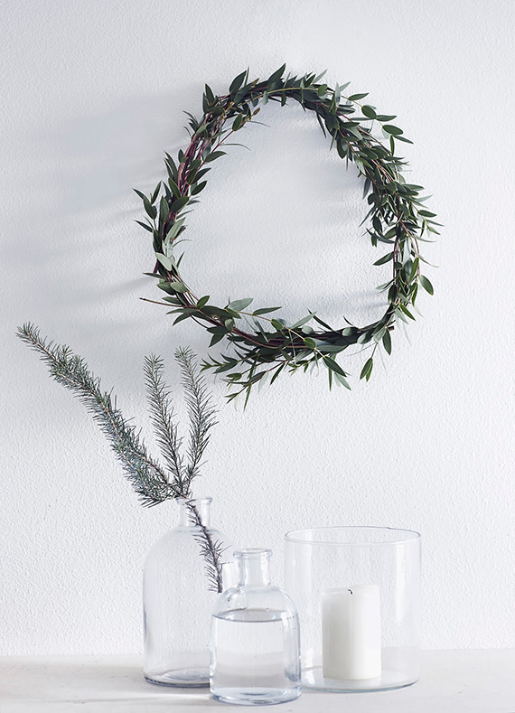 Minimalist wreath ideas | Weekday Carnival