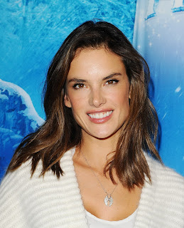 Alessandra Ambrosio – Disney On Ice