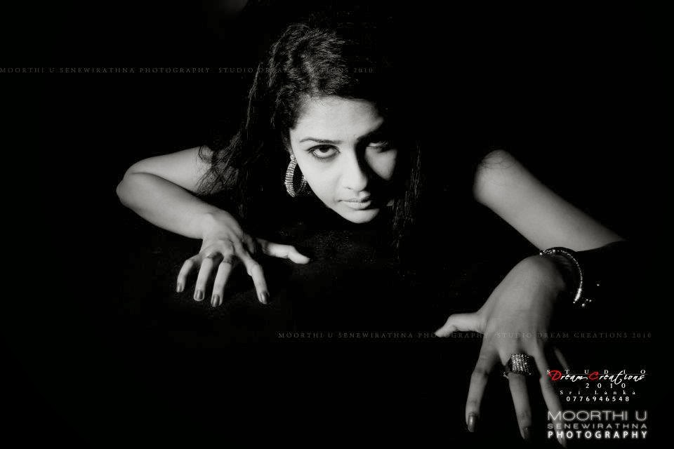 Maheshi with Moorthi U Senewirathna PHOTOGRAPHY