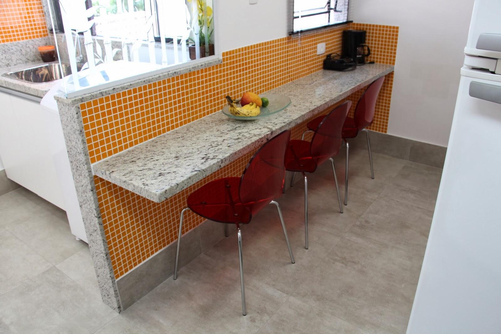 .com/ ReginaSegura. arquitetura: Cozinha no Méier com churrasqueira #B35100 1600 1066