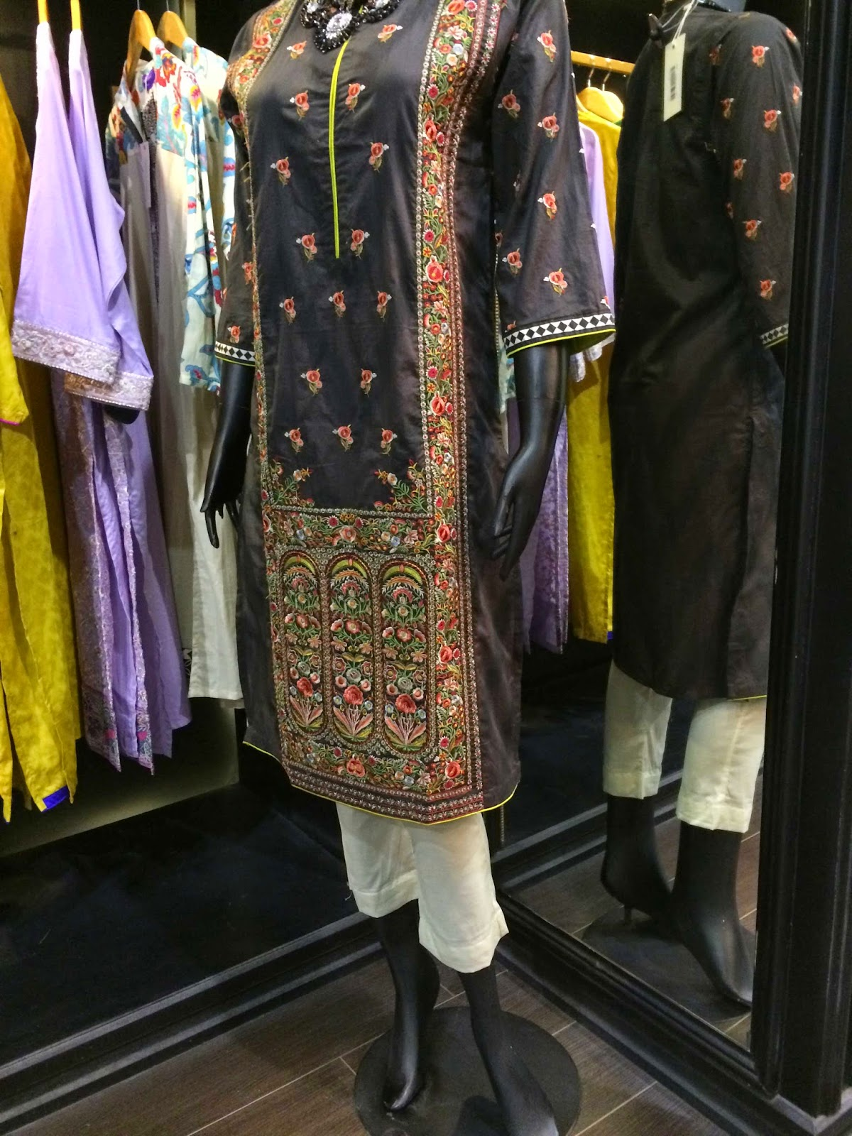 Sana Safinaz Ready to wear trousers - Pakistani designer wear