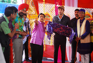 Ranbir Promote Barfi on location of 'Taarak Mehta Ka Ooltah Chashmah'
