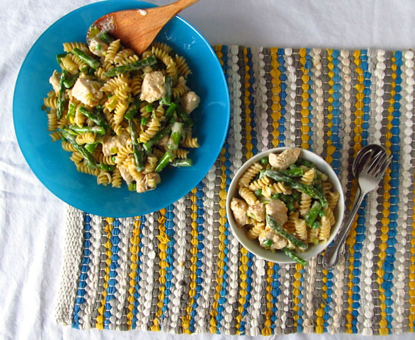 Chicken and Vegetable Alfredo with Asparagus, Leeks, and Peas