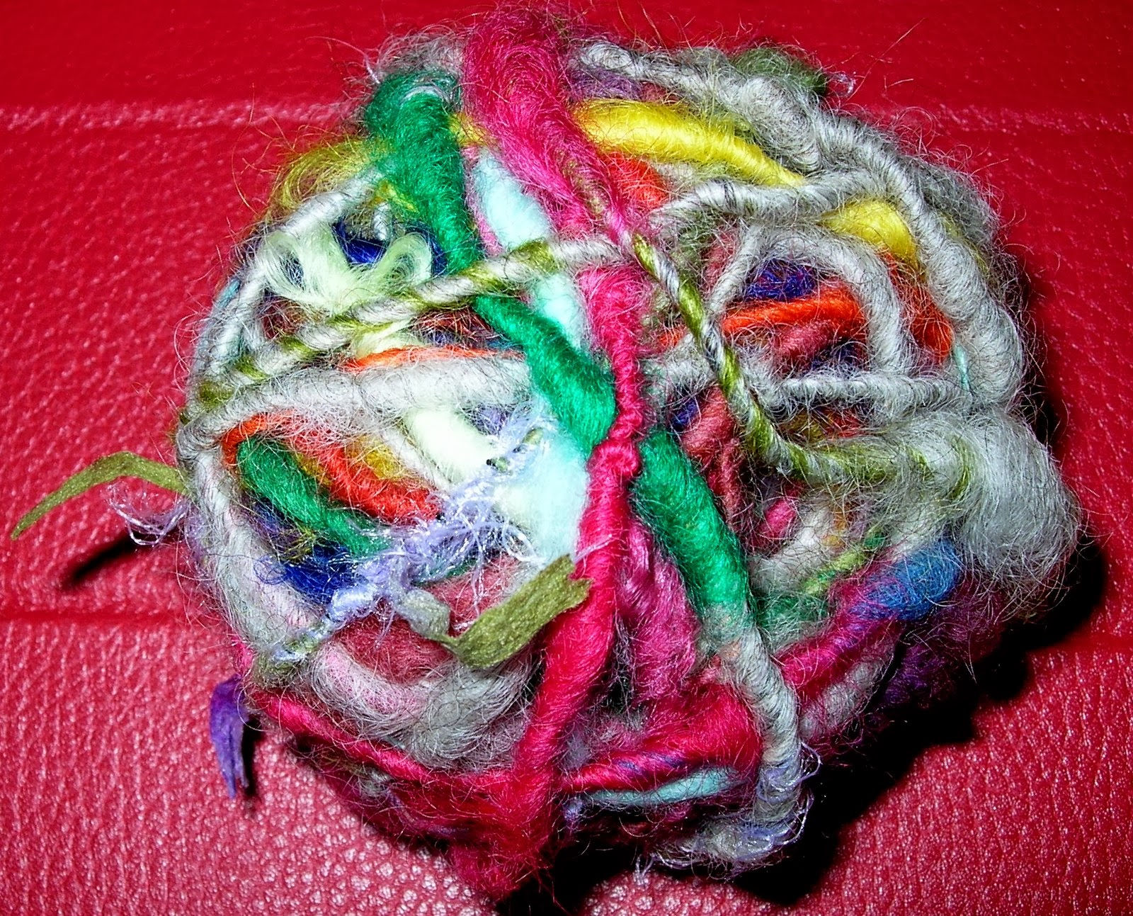 Novelty Yarn : HandSpinning Dot Com: Bulky Novelty yarn
